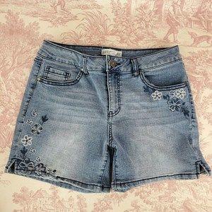 Artisan Ny Blue Denim Shorts 8 Embroidered Flowers